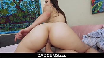 Relaxing Daddy had to Fuck his Daring Daughter - DadCums.com
