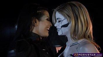 Power Ranger chick seduce a hot robotic humanoids pussy 6 min