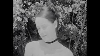 Jena Malone Topless 2 min