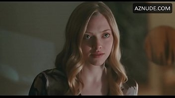 Amanda Seyfried Sex Scene in Chloe