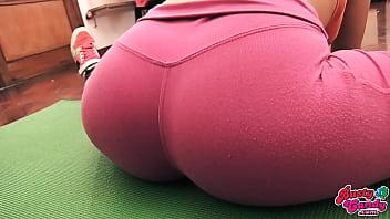 Cameltoe Teen Big Ass Big Tits in Tight Yoga Pants
