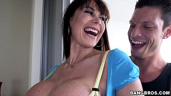 Giant MILF tits with Eva Karrera