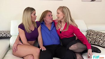 FILF  - Jessa Rhodes' stepparents Evan Stone And Nina Hartley invading her for the weekend 12分钟