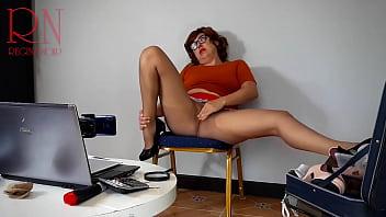 秘书。 维尔玛·丁克利秘书。 魔法维尔玛。 史酷比。 秘书试穿紧身衣。 提交。 自慰,获得高潮。 Shaggy 正在做催眠术。 Shaggy 强迫 Velma 脱衣服。 Velma 自慰并达到性高潮! 顺从,秘书,sexretary,裸体秘书,水管工,工程师,办公室性爱,裸体办公室,雇员,老板,搞笑,情景喜剧,色情情景喜剧,内衣,丝袜,尼龙,内裤,连裤袜,紧身衣 , 比基尼泳装, 女郎, 裸体的, 赤裸裸的,