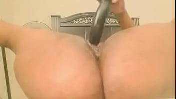 Bubble butt bbw has massive squirt