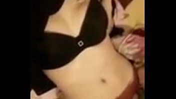Cute Girl on Periscope Showing Her Sexy Body