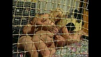Granny Group Sex Vorschaubild