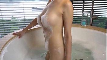 人气网红周妍希现场拍摄视频原片07高清在线播放