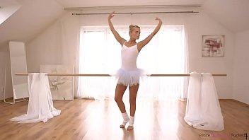 Dance Lovers 21 min