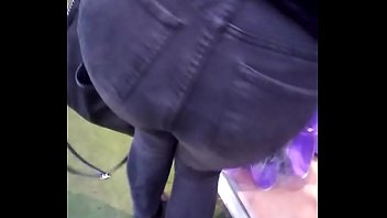 Hot ass in tight jeans walking, ass zoom amazing in the ending