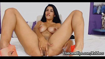 Webcam This Amateur Busty Latina Is Smoking HOT!