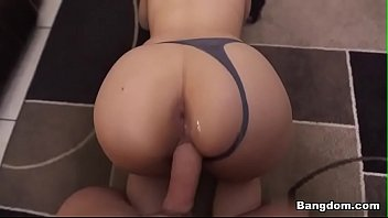 What is this girl's name? thumbnail
