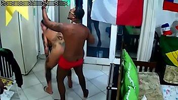 Câmera de segurança Flagra Eliza Sanches Fazendo a dança do Acasalamento para Nego Catra