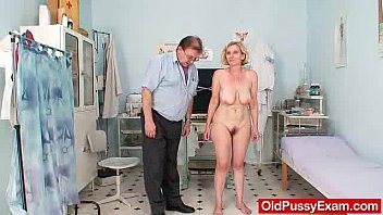 Unshaved twat mother Tamara embarrassing doctor examination
