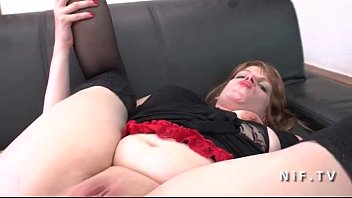 Amateur chubby French milf with big butt pussy gaping and hard double penetrated Vorschaubild