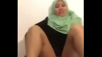 Green Tudung Ma lay Blowjob With Sex In Hotel h Sex In Hotel
