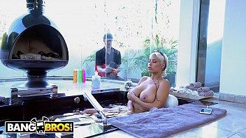 BANGBROS - Katie Kush Leg Up Doggystyle Fuck With Isiah Maxwell