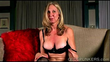 Mature dirty older cunt - Naughty old spunker loves to talk dirty and play with her juicy pussy
