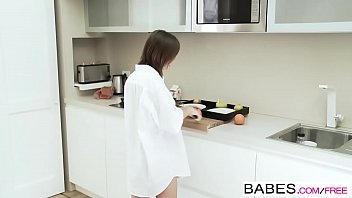 Babes - Totti and Tina Hot - Breakfast In Bed thumbnail
