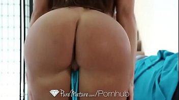 Lisa Ann gets sexy massage image