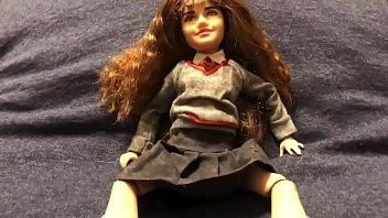 Asian chinese japanese type barbie doll Tiny hermione 2
