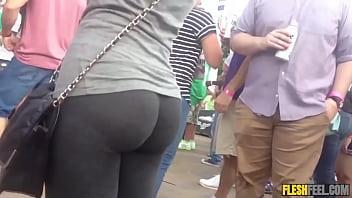 nice ass white girl in leggings