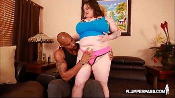 Sexy BBW MILF Billie Austin Gets Her First Big Black Cock