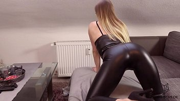 Clothes erotic leather sensual sexy skin tight womens - Blondes mädchen in lederleggins gefickt fiona fuchs
