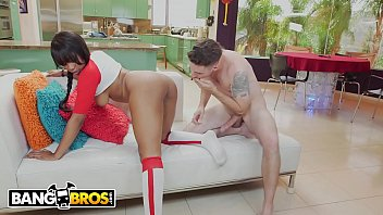 Athletic babe porn - Bangbros - steamy interracial sex with beautiful, black curvy babe jenna fox