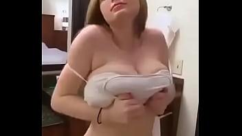 Markiert jemanden der auf groe Brüste steht hot...