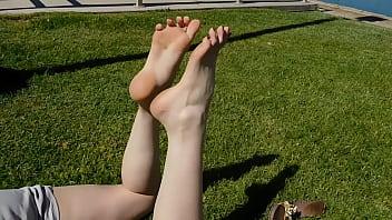 Emily Feet Soles 2分钟