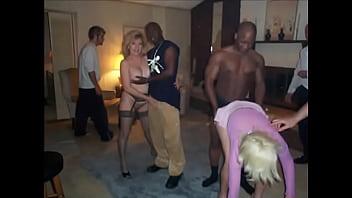 GANGBANG GRANNY ZOE ZANE & ITTY FOXX -Porn Star Movies Zoe (Black Dick)