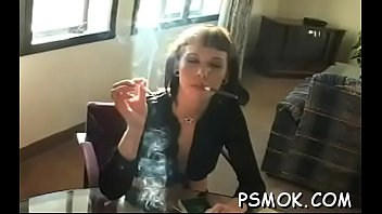 Straight man naked - Horny babe smoking while giving a fellatio to her man