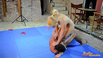 Stacie starr porn Stacie star wrestles with her new toy sebastian