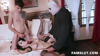 Halloween Family Orgy - Audrey Noir, Kate Bloom