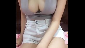 Em Nhung Hani show Bụp (video 02)