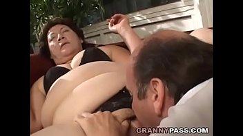 Bbw stuffed - Bbw granny gets her fat pussy stuffed