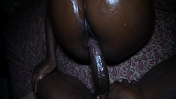 Shae & Pookie get oiled up for first homemade video