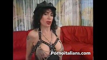 Italian Milf Fucked Two Man Milf Italian Scopata Da Due Maschi Italy Porn