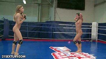 Nude Fight Club presents Candy Love vs. Destiny 5分钟