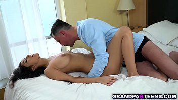 Adventurous babe Jasmin Spice likes experimenting with sex with an old man named Donald. Watch her as she fucks his old vieny cock until orgasm.