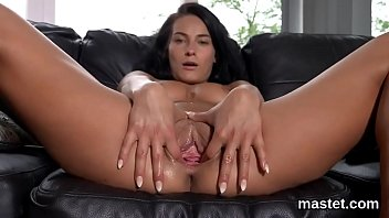 Wicked Czech Teenie Stretches Her Tight Slit To The Extreme