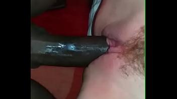 Gozando dentro da buceta da mulher do corno
