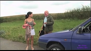An elderly gentleman see a young girl in trouble with her car 25 min