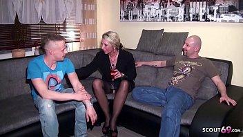 German Wife - Er Teilt Seine Ehefrau Jenny Mit Seinem Freund Im Dreier