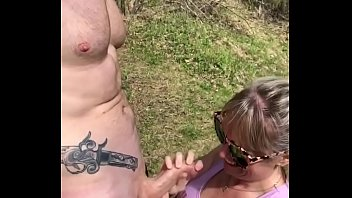 Streaming Video Never know what you'll find hiking! Mase619 get sucked off by the river on a hike - XLXX.video