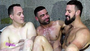 Suite 69 no banho com onassis bate papo...