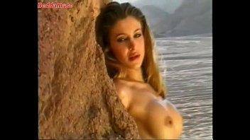 Adriana Volpe nuda naked calendar