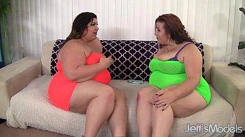 Horny BBW sluts Lady Lynn and Bella bangs a guy 8 min