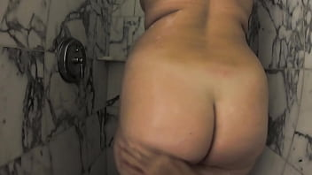Booty Cakes Big Natural Ass Stepdaughter Gets Fucked After Shower 10 min